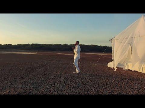 Pancho Barraza - Yo Estaba Solo (Video Oficial) (2017) -