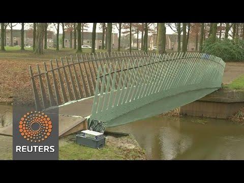 "Dutch ""biobridge"" made from hemp and flax fibres"