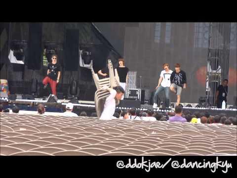 120814 National Concert SHINee - Sherlock Rehearsal