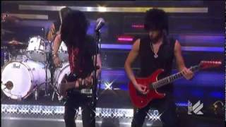 Escape The Fate - Issues (Live on Daily Habit) HD