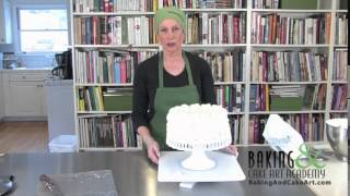 Cake Art Basic Techniques: How to Pipe Buttercream Hearts