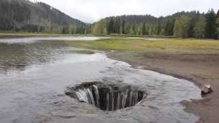 Adventure Oregon - Lost Lake draining into a giant hole