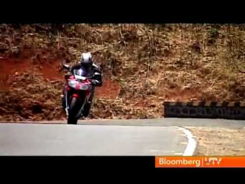 2012 Yamaha YZF-R15 V2.0 vs Honda CBR150R| Comparison Test | Autocar India