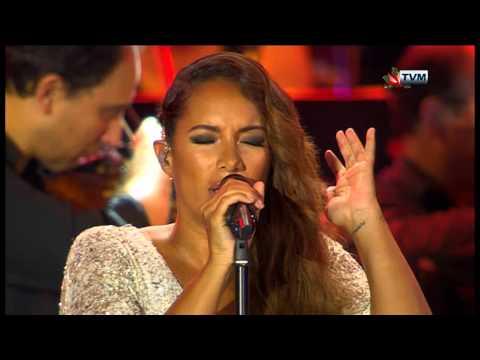 Leona Lewis in Malta - A Moment Like This / Bleeding Love (Joseph Calleja Concert 2014)