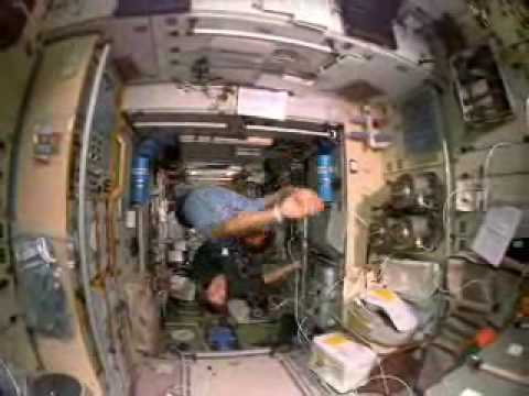 astronauts in space weightless - photo #5
