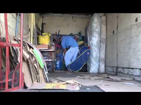 Continúa el éxodo en Condominios San Valentín, Mejicanos (21/01/2015)