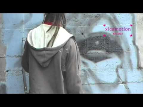 Graffiti artist Dizebi at work