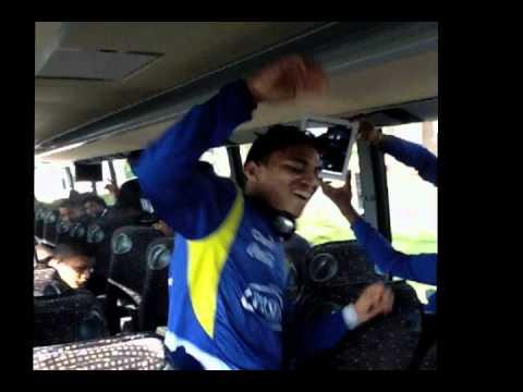 Seleccion Ecuatoriana de futbol baila en Bus.mov