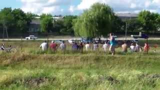 Fotbal pe stadionul satului, distracție masculină?