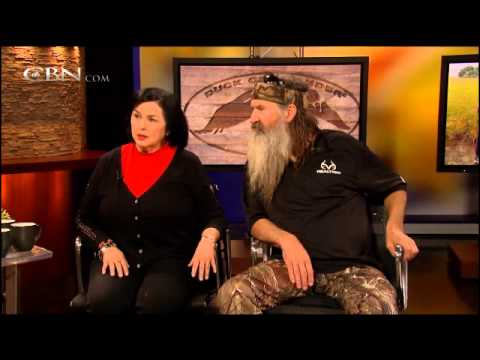 The Robertsons of Duck Dynasty Talk About How Their Faith in Jesus Turned Around Their Lives!!