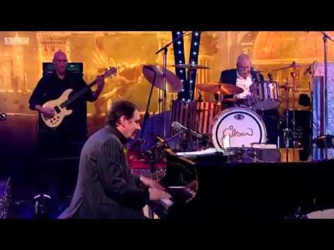 Beth Hart & Jeff Beck & Jools Holland Rhythm & Blues Orchestra - Nutbush City Limits