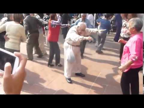 Funny Old Man Dancing  (Magen Boys ENTERTAINMENT)