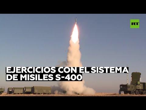 Rusia repele el ataque aéreo de un enemigo simulado con el sistema de misiles S-400