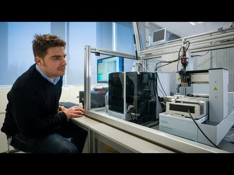 High-precision dispensing robot | Philips Innovation Services