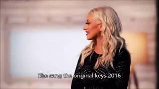 Christina Aguilera sings Pink's part ( Lady Marmalade 2016 )