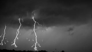 Lightning recorded at 7000 FPS