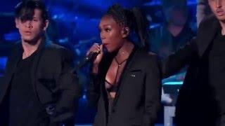 Brandy Performs
