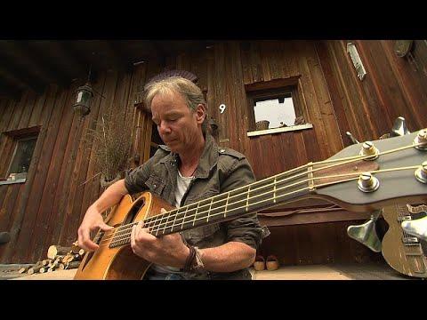 Coronavirus blues: the musicians struggling to make ends meet under lockdown