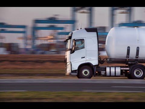Volvo Trucks - A Volvo FH under 7,000 kg