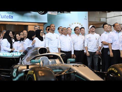Lewis & Valtteri Celebrate Six F1 World Titles with PETRONAS!