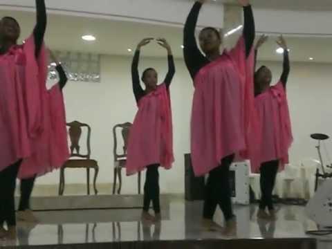 Baixar Ministério de Adoração com Danças HARIM dançando JESUS de ARIANNE