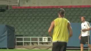 Zlatan Ibrahimovic amazing backheel goal on PSG training session