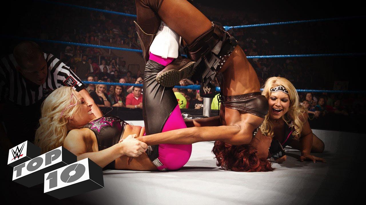 Lesbian wrestle game