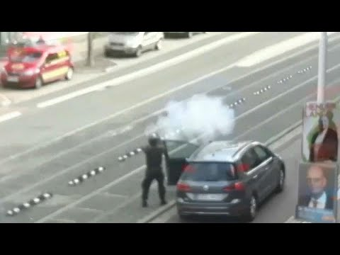 Amateur footage emerges of gunman opening fire in Halle, Germany photo