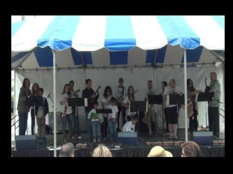 Fiesta De Los Pen Bertrand's Music Ukulele Experience Group Performance 2013 Part 1