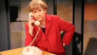 Angie telefoniert: Grass