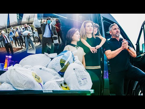 Grant Cardone feeding 100 families for Thanksgiving photo
