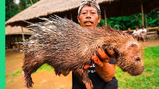 EXTREME BALI!!! RARE Sacred Animal Meal in Bali, Indonesia!!! (Once every ten years)