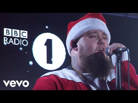 Rag'N'Bone Man - It's Beginning To Look A Lot Like Christmas