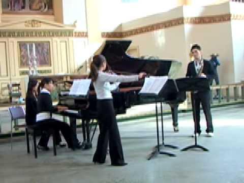 Czardas -- Vittorio Monti X Contrast Trio