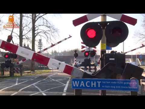 DUTCH RAILROAD CROSSING - Maarsbergen - Woudenbergseweg photo
