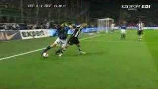 Zanetti run v Juventus Umilia Nedved