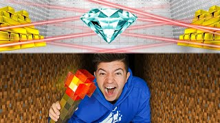 Sneaking into the MOST Secure GIANT Minecraft Vault!