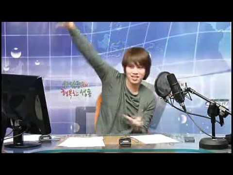 120330 Hee DJ dancing on SHINee's sherlock @ SDC.avi