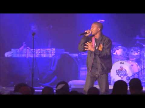 Lupe Fiasco - Dumb It Down (feat. GemStones, Graham Burris, & Mr. WhiteMan) [Live from Chicago]
