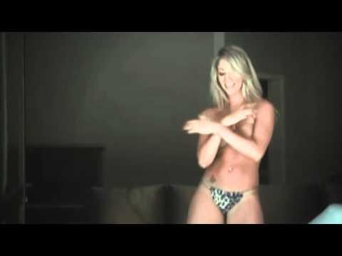 Baixar Nova Panicat Carol Narizinho faz dança sensual e vídeo vaza na internet
