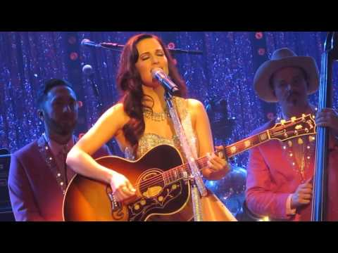 Kacey Musgraves talks about English accents and plays 'It Is What It Is' (Live in London, England)