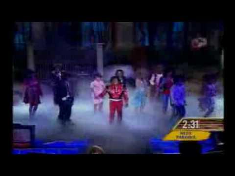 Omar Chaparro Con Thiller De Michael Jackson En Hazme Reír Y Serás Millonario.