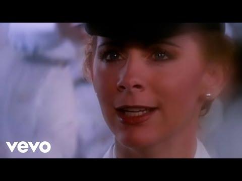 Reba McEntire, Vince Gill - The Heart Won't Lie