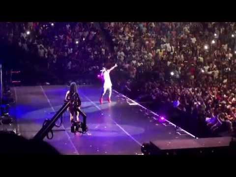 TheTrophyLife.Net: Nicki Minaj Brings Out Lil Wayne For