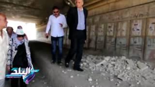 صدى البلد | محافظ القليوبية يتفقد موقع هبوط كوبرى الشموت ببنها ...