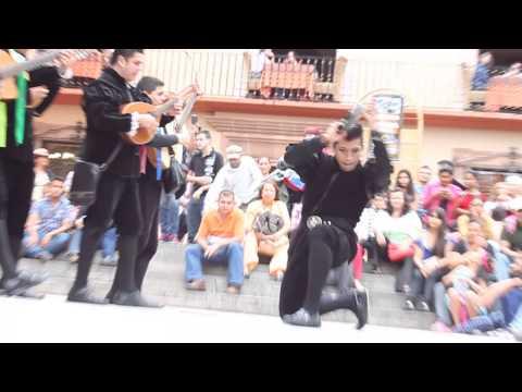baile del pandero estudian-tuna de guanajuato