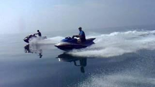 In moto sul mare