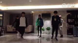 TFBOYS_161126 Lý Tiểu Lộ update weibo