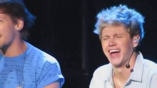 ONE DIRECTION - Laughing While Singing