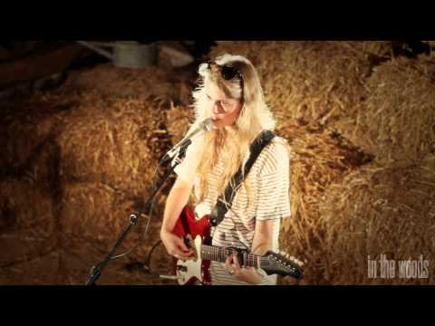 'Plans' - Marika Hackman // In The Woods Barn Sessions 2013
